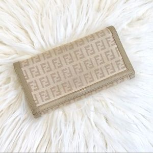 Like New Fendi Wallet